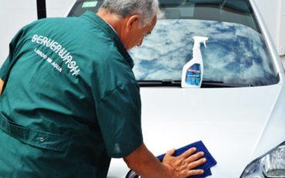 Creó un sistema para lavar autos sin usar agua y es un emprendimiento en crecimiento