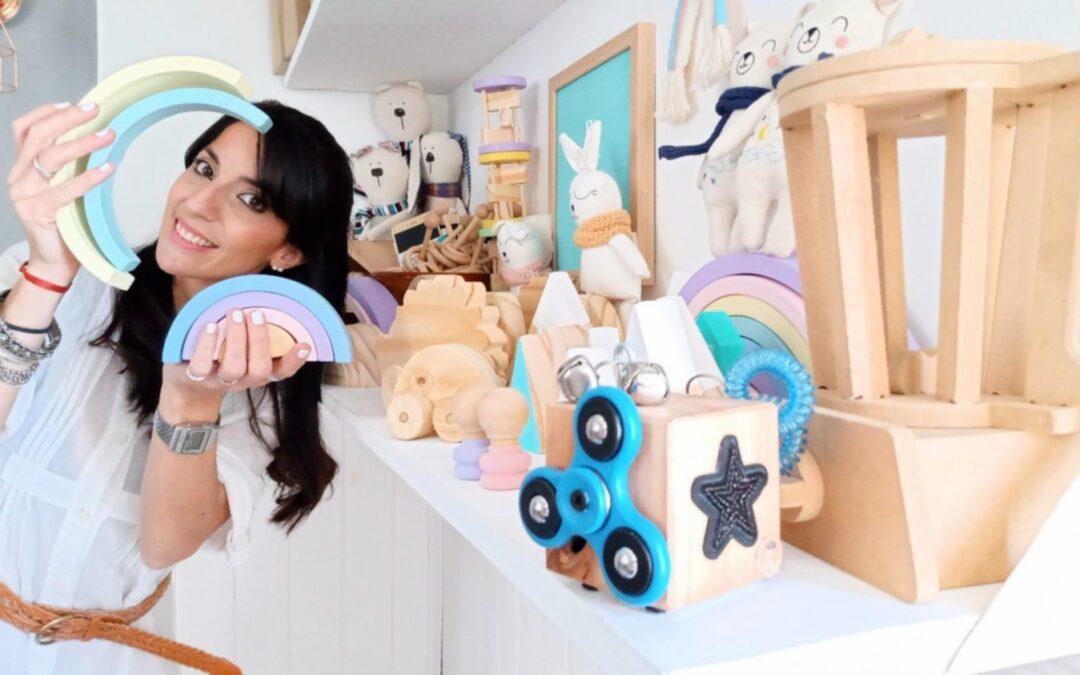 Un emprendimiento bahiense de juguetes ecológicos que busca fomentar la imaginación de los más chiquitos